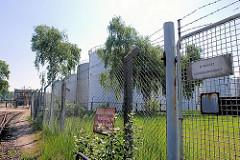 Tankanlagen auf der Dradenau in Hamburg Waltershof (2007)