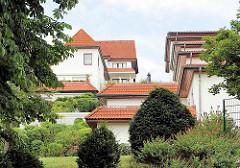 Wohnhäuser an den Berghang des Bobergs Gebaut - Bilder von Hamburger Architektur im Stadtteil Lohbrügge.