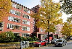 Architektur der 1930er Jahre - Wohnblock in Hamburg Barmbek Süd.