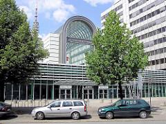 Eingang der Hamburg Messe - Bilder der Hamburger Architektur; Fotos aus HH-St. Pauli.