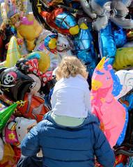 Luftballons auf dem Strassenfest in Hamburg Eppendorf.