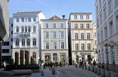 Historische Hamburger Architektur - Baudenkmale der Hansestadt Hamburg - Häuser in der Deichstrasse, Touristenattraktion Hamburgs - sehenswertes der Hansestadt.