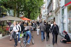 Leben in Hamburg Ottensen - Geschäfte in der Ottenser Hauptstrasse.