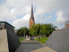 Historischer Ort Hamburgs - Domplatz in der Altstadt; möglicher Stadtort der Hammaburg - Ursprung Hamburgs.