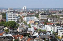 Blick über die Dächer von Hamburg St. Pauli in Richtung Reeperbahn.