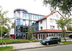 Verwaltungsgebäude der Genossenschaft in Wandsbek Gartenstadt - Bilder aus dem Hamburger Stadtteil Wandsbek.