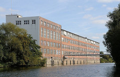 Industriearchitektur am Billbrookkanal - Gewerbegebiet Hamburg