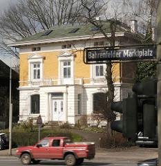 Gelbe Villa am Bahrenfelder Marktplatz, Strassenschild
