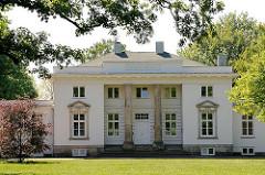 Hamburgs historische Architektur - Bilder aus Hamburg Nienstedten - Landhaus Godeffroy, Hirschparkhaus. Architekt Christian Frederick Hansen.