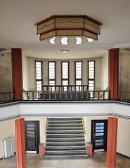 expressionistisches Foyer  Binnenschiffreederei Brandshofer Deich - Architekt Otto Hoyer, erbaut 1929.