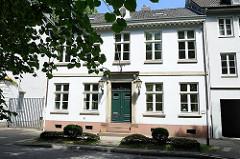 Historische Wohnhäuser in Hamburg Altona - denkmalgeschütze Gebäude in der Palmaille - Architekt Christian F. Hansen.