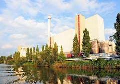 Industriearchitektur des Müllverbrennungsanlage Borsigstrasse der Hamburger Stadtteinigung im Stadtteil Billbrook.