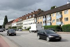 Wohnblocks an der Hauptverkehrsstrasse Heimfelds - Architektur der 1950er Jahr an der Stader Strasse.