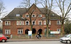 Bachksteinarchitektur - Architekturbilder aus Hamburg Hausbruch  - Kindergarten an der Cuxhavener Strasse.