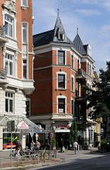 Historische Hamburg Architektur - Wohnhäuser an der Barmbeker Strasse Ecke Buchenstasse.