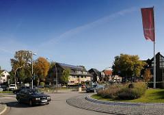 Strassenverkehr Hamburg Duvenstedt;  Kreisel Poppenbüttler Chaussee