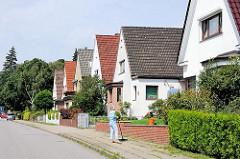 Einzelhäuser mit Spitzdach - Bilder aus den Hamburger Stadtteilen - Fotos aus Hamburg Eißendorf.