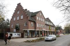 Backstein Wohngebäude und Geschäfthaus in der Halenreie