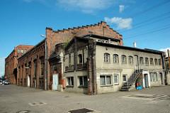 Fertigungsgebäude auf dem Gelände der New-York Hamburger Gummi-Waaren Compagnie Aktiengesellschaft in Hamburg Harburg.