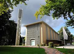 Katholische Kirche Mariä Himmelfahrt in Hamburg Rahlstedt; erbaut 1960