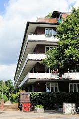 Laubenganghäuser an der Jarrestrasse - Architekturfotos aus Hamburg Winterhude.