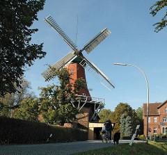 Radwanderwege durch Hamburg - Ausfluge in den Marschlanden - Windmühle Reitbrooks.