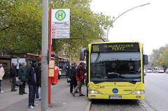 Bushaltestelle Autobus - Elbgaustrasse - Hamburg Bilder.