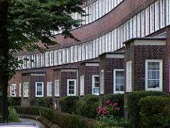 Architektur in Hamburg Winterhude - Fenster in der Jarrestadt.