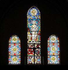 Glasfenster Martinskirche - kunstvolle Buntglasfenster.