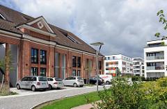 Historische ARchitektur der Husarenkaserne / Polizeikaserne und moderne Neubauten / Husarenhof Hamburg Marienthal, Bezirk Wandsbek..