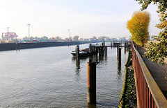 Petroleumhafen auf Hamburg Waltershof - Bilder vom Hamburger Hafen.