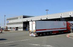 LKW Einfahrt am Terminal O'swaldkai - Kleiner Grasbrook - Bilder vom Hafen Hamburgs.