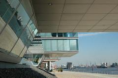 Moderne Architektur - Elbufer Hamburg Neumuehlen / Stadtteil Hamburg Ottensen, Bezirk Altona.