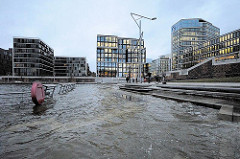 Sturmflut in Hamburg - Marco Polo Terrassen unter Wasser -