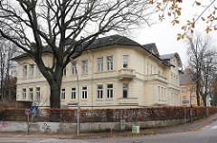 Gebäude Volkshochschule VHS Waitzstrasse Groß Flottbek.
