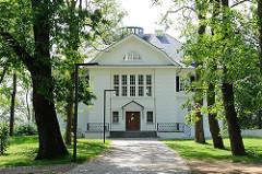 Heine Park Villa - Zufahrt von der Elbchaussee - Bilder aus Hamburg Ottensen, Bezirk Altona.