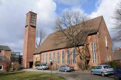 Hamburger Kirchen - Kirchen in den Stadtteilen - Erloeserkirche in Hamburg Borgfelde.