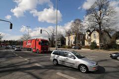Bahrenfelder Marktplatz Strassenverkehr in Hamburger Stadtteil - Bilder aus Hamburgs Bezirken