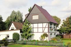 Einzelhaus mit Schuppen und Garage - Siedlung Wohlsersweg - entstanden ca. 1934.