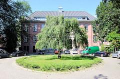 Ehem. Krankenhausgebäude - Umnutzung zu Büros - Bilder aus Hamburg Barmbek.