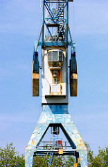 Führerhaus eines Krans am Versmannkai im Baakenhafen - Fotos aus dem Hamburger Stadtteil Hafencity.