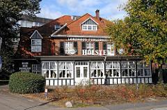 Hummelsbuettler Landstrasse -  Landhaus Fuhlsbüttel. Historisches Gasthaus.
