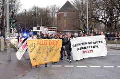 Demonstration Januar 2014 in Solidarität mit der Gruppe Lampedusa in Hamburg, der Essohäuser Initiative und den Betroffenen des Gefahrengebietes.