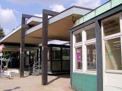 Zollstation Brooksbrücke - Personenkontrolle an der Freihafengrenze in der Hamburger Speicherstadt.
