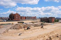 Vorbereitung der Baufläche für die Entstehung des Überseequartiers - rechts die unter Denkmalschutz stehenden Gebäude des Amt für Strom  und Hafenbau und in der Bildemitte der Kaispeicher B, das Maritime Museum am Mageburger Hafen. 2007