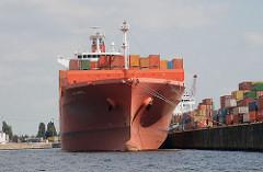 Containerschiff im Kaiser Wilhelm Hafen - einem historischen Hafenbecken auf Hamburg Steinwerder.
