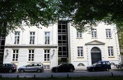 Architekturstile in der Hansestadt Hamburg - Klassizistische Wohnhäuser in der Altstadt von Hamburg Altona.