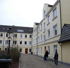 Bilder von Wohnungen / Wohnhäusern in Hamburg Eimsbüttel. Hinterhofbebauung.