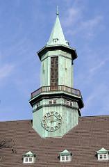 Kupferturm der Heilandskirche in HH-Uhlenhorst; Uhrturm und Glockenturm.
