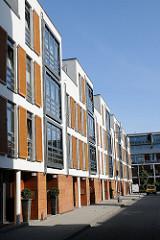 Hoheluft Ost, Gelände der ehemaligen Fahrzeugwerkstätten Falkenried - Moderne Architektur - Neubauten, Wohnungen und Büros.